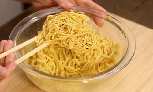 バミーヘン(汁なし麺)